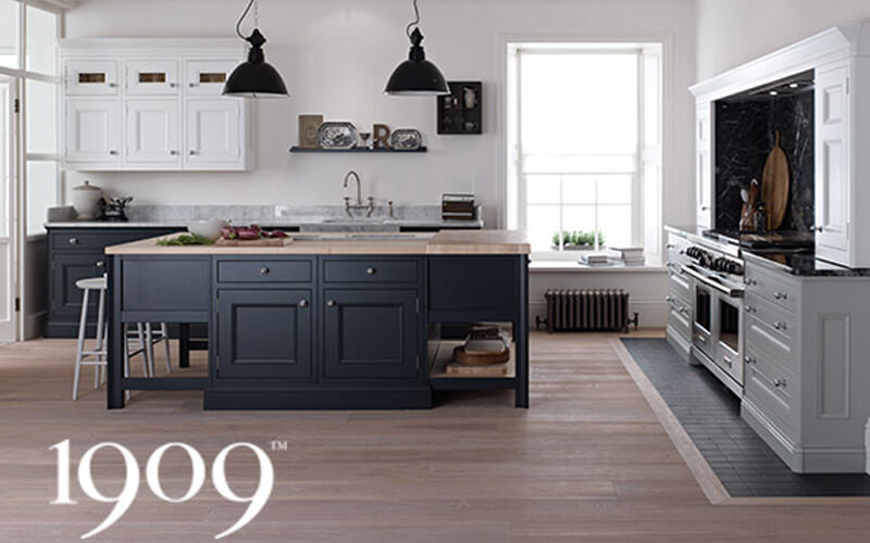 1909 Kitchens | Half Pencil & Scallop | Painted Shaker Kitchens