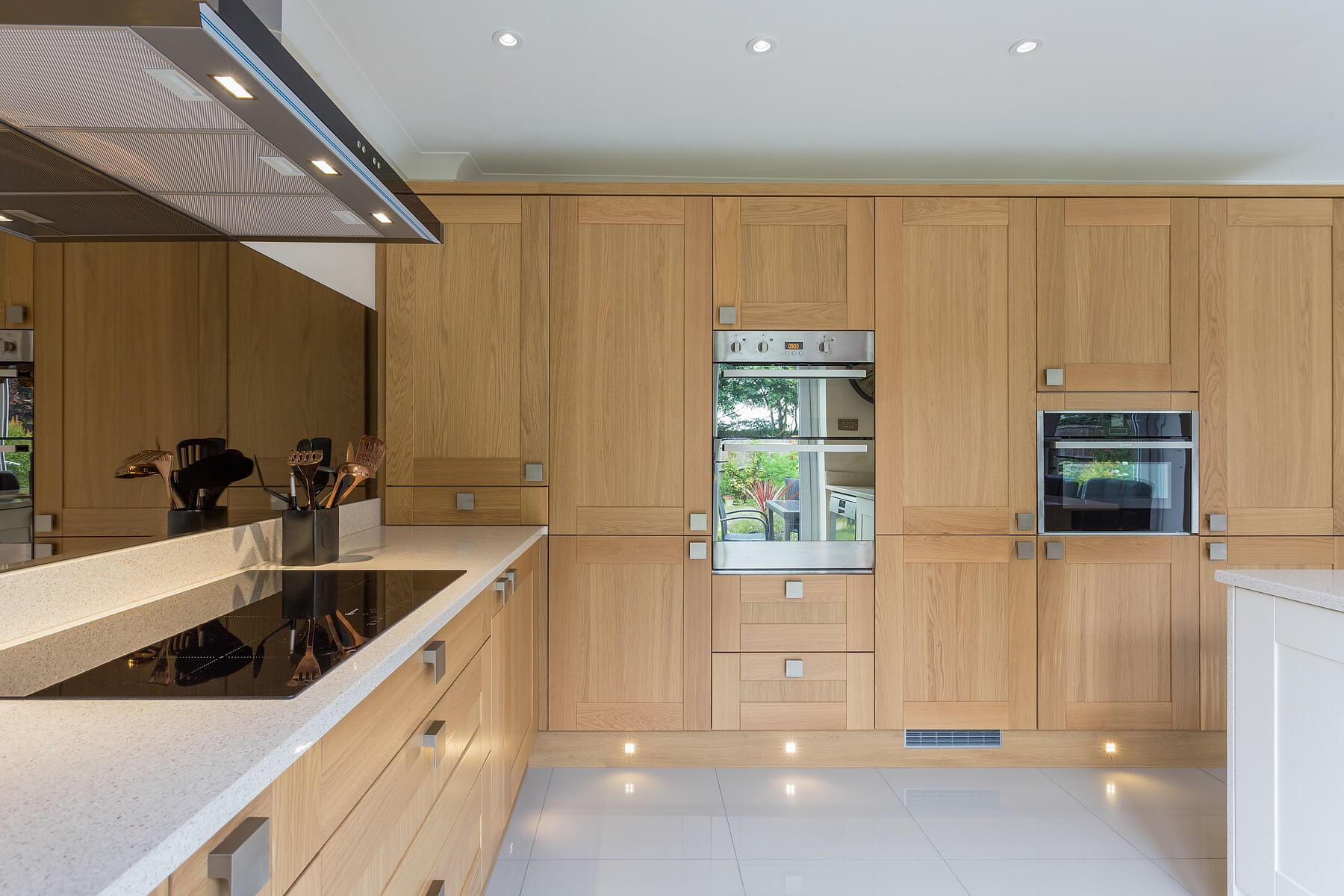 C&C kitchens Hertfordshire - Pendle Oak & Cream Shaker