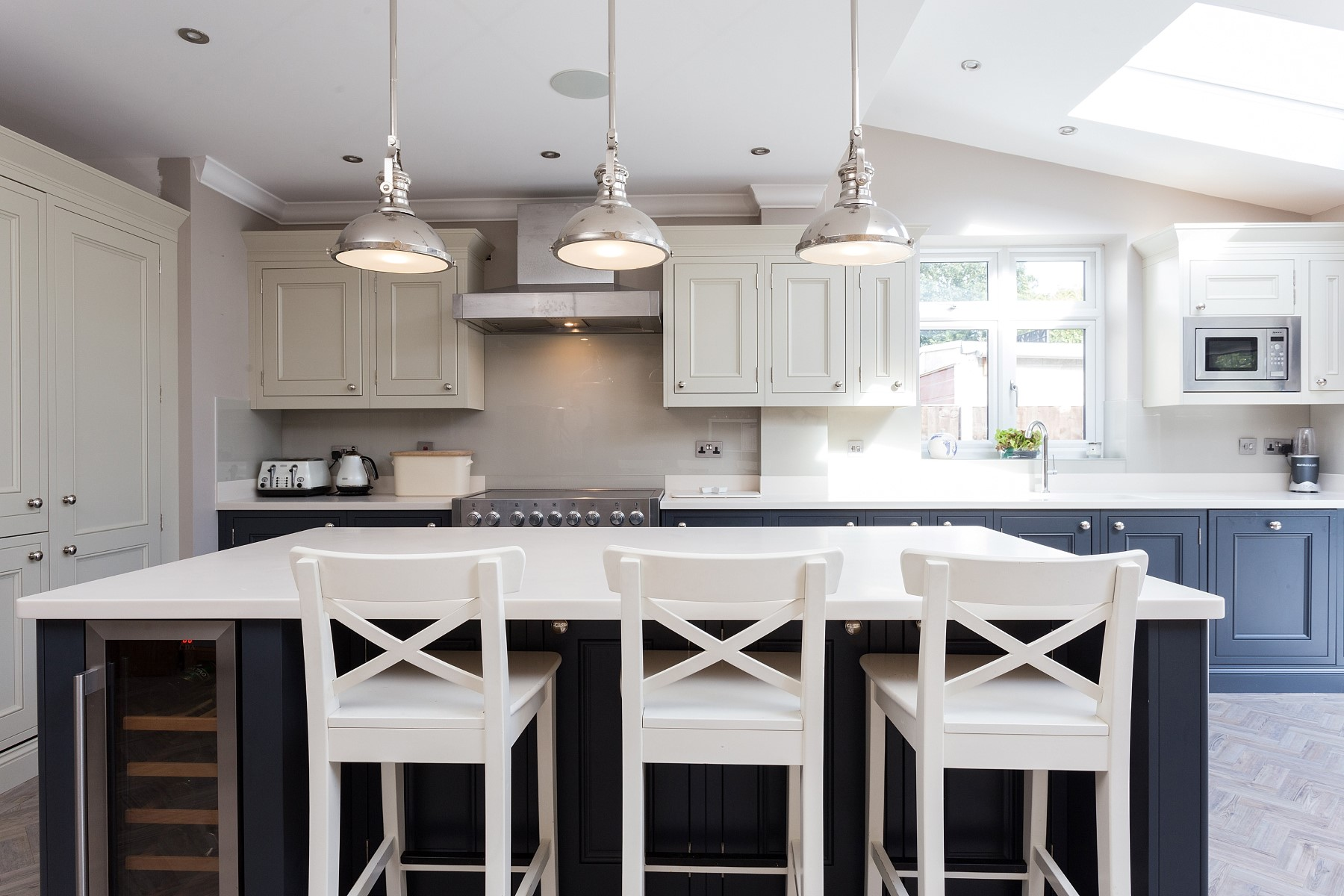 C&C kitchens Hertfordshire - Half Pencil & Scalloped in Charcoal & Almond