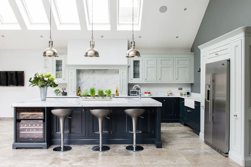 C&C kitchens Hertfordshire - Half pencil & scalloped in charcoal & partridge grey